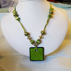 4/$30 NWT Handmade Acrylic Glass Necklace Green